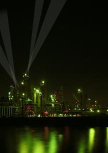 四日市の工業地帯の写真素材 [FYI00186511]