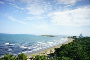 青島と広がる海と空の写真素材 [FYI00186538]