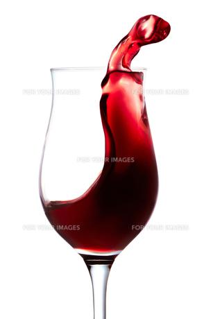 あふれる赤ワインの写真素材 [FYI00186850]