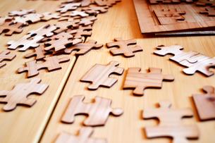 木のパズルの素材 [FYI00186911]
