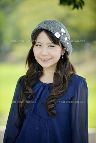笑顔の女性の写真素材 [FYI00187335]