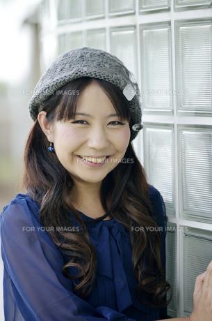 笑顔の女性の写真素材 [FYI00187372]
