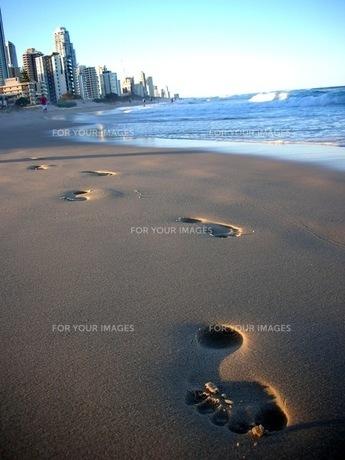 ビーチの足跡の写真素材 [FYI00187433]