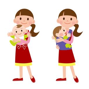 育児をする女性の写真素材 [FYI00187567]