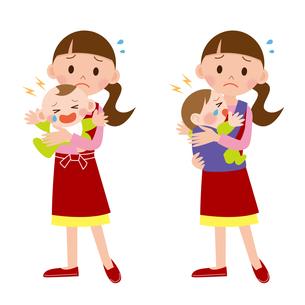 育児をする女性の写真素材 [FYI00187570]