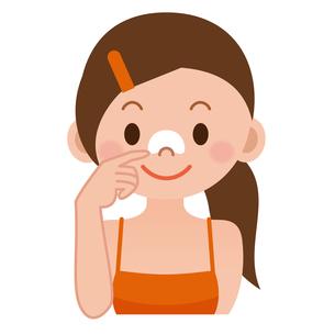 鼻パックをする女性の写真素材 [FYI00187773]