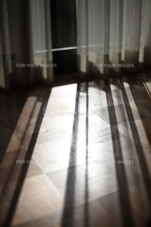 窓からの光の写真素材 [FYI00187889]