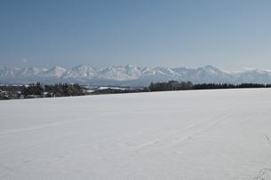 雪原と山並みの写真素材 [FYI00188884]
