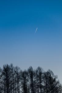 飛行機雲の写真素材 [FYI00188892]