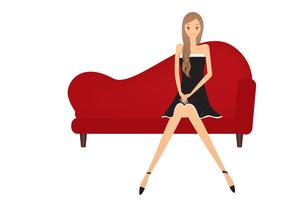 ソファーに座る女の子の素材 [FYI00189911]