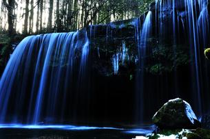冬の滝の素材 [FYI00190778]
