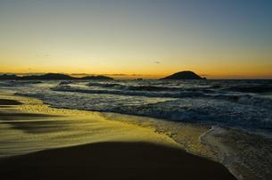 玄界灘と玄海島の写真素材 [FYI00191020]