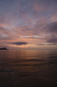 玄界灘の夕焼けの写真素材 [FYI00191153]