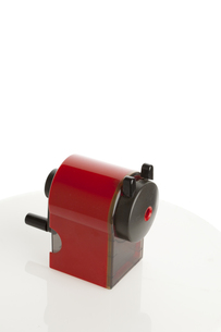 赤い鉛筆削りの写真素材 [FYI00192198]