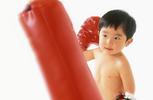 子供 ボクサーの写真素材 [FYI00192769]