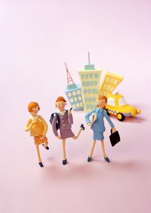 クラフト ビジネスウーマン オフィス街の素材 [FYI00192861]