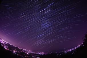 回る星・流れる星の写真素材 [FYI00193182]