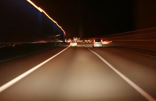 夜の東名高速の写真素材 [FYI00193264]