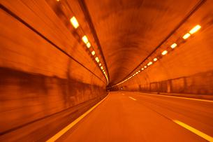 トンネルの中の写真素材 [FYI00193271]