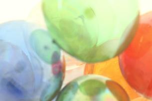 カラフルなガラス玉の写真素材 [FYI00193285]
