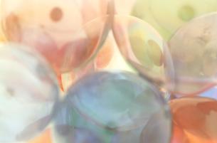 カラフルなガラス玉の写真素材 [FYI00193305]