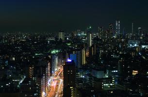 東京の夜景と幹線道路の素材 [FYI00193452]