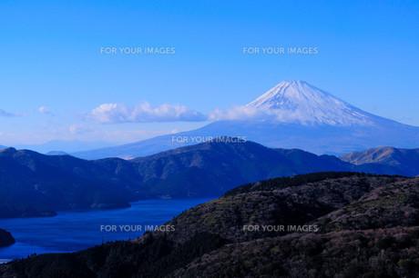 芦ノ湖と富士山の素材 [FYI00193531]