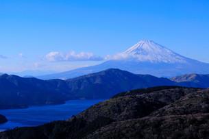 芦ノ湖と富士山の写真素材 [FYI00193531]