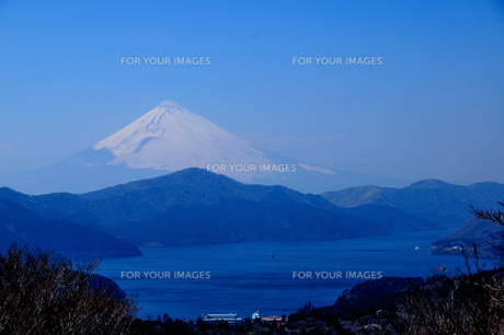 富士山と芦ノ湖の素材 [FYI00193575]