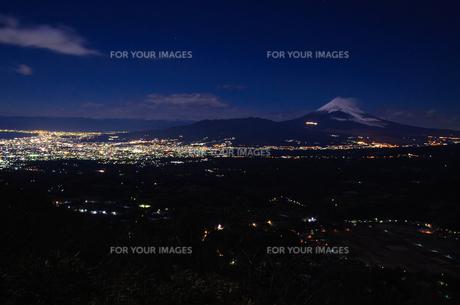 丹那から富士山と夜景の素材 [FYI00193577]