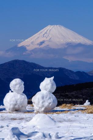 富士山と雪だるまの素材 [FYI00193601]