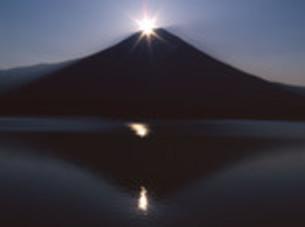 ダイヤモンド富士の写真素材 [FYI00194310]