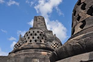ボロブドゥール寺院遺跡群のストゥーパの写真素材 [FYI00194438]