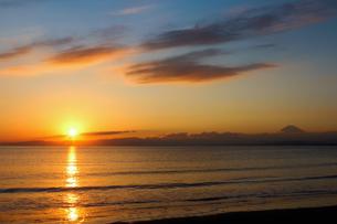 夕日と海の写真素材 [FYI00194509]