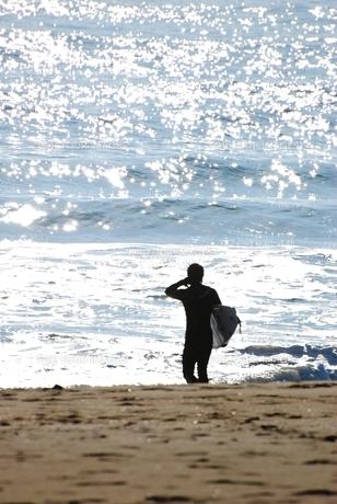 海に向かって・・・の写真素材 [FYI00195116]