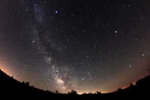 天の川と夏の大三角の写真素材 [FYI00195439]