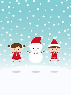 クリスマス ジャンプする子供と雪だるまの写真素材 [FYI00195550]