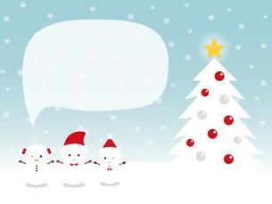 かわいい雪だるまとクリスマスツリー 吹き出しの写真素材 [FYI00195566]