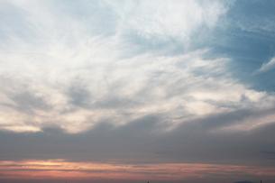 朝焼けがなだめる時間(とき)の写真素材 [FYI00195722]