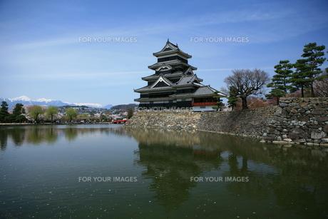 逆さ松本城の写真素材 [FYI00197668]