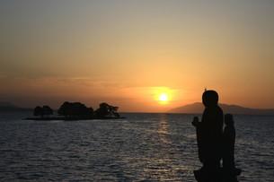 宍道湖の夕日の素材 [FYI00197672]