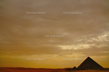 砂漠の夕暮れの写真素材 [FYI00197752]