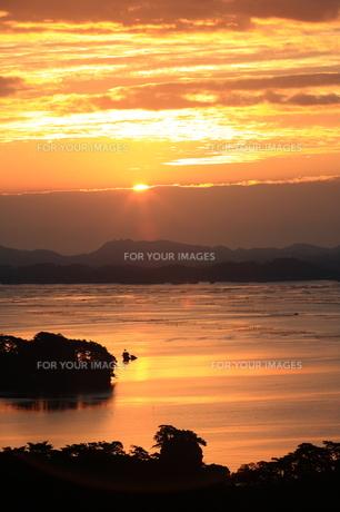 松島の日の出の写真素材 [FYI00198454]