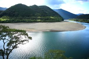 四万十川の風景の写真素材 [FYI00198723]