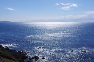 輝く海と青い空の写真素材 [FYI00199782]