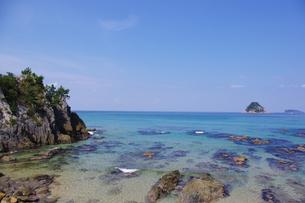 小島と日本海の写真素材 [FYI00199829]