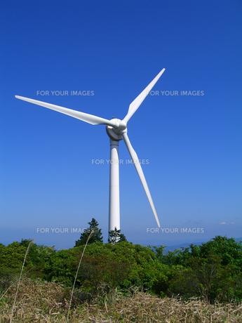 青山高原の風力発電風車の写真素材 [FYI00199852]