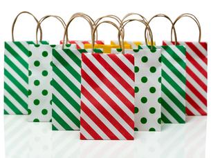 カラフルなショッピングバッグの写真素材 [FYI00200255]