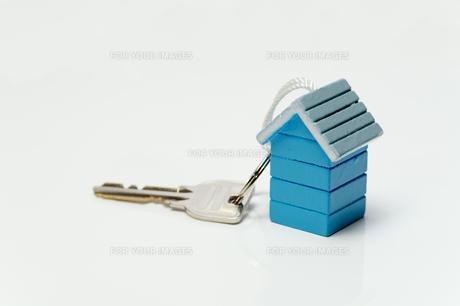 家型のキーホルダーの写真素材 [FYI00200279]