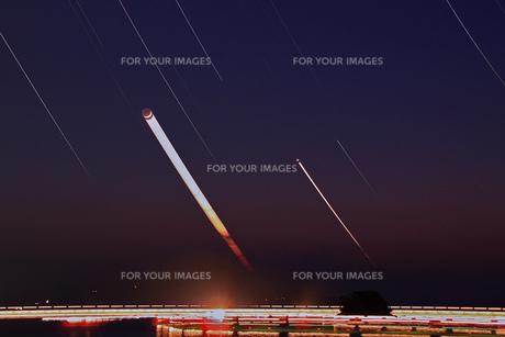 月と金星と漁り火との素材 [FYI00200315]
